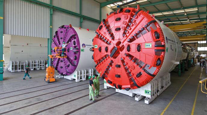 Bei den Ausbildungstagen 2020 konnten die Schüler einer Live-Präsentation zweier großer Tunnelbohrmaschinen auf dem weitläufigen Werksgelände beiwohnen.