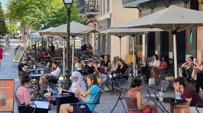 Straßencafé in Straßburg.