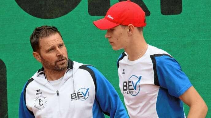 Oberweiers Sportwart Oliver Killeweit (links) wäre mit seinen Mannschaften gerne schon am Wochenende angetreten.