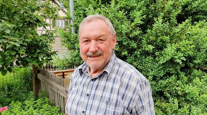 Hubertus Gernoth aus Durbach erfasst seit mehr als 45 Jahren die Daten über den Vegetationsverlauf im Rebland. Die Blüte- und Erntetermine schwanken deutlich.