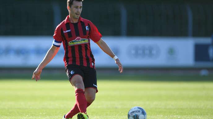 Als Kapitän hat Felix Roth die letzten fünf Jahre bei der zweiten Mannschaft des SC Freiburg Talente auf dem Weg zum Profi begleitet.