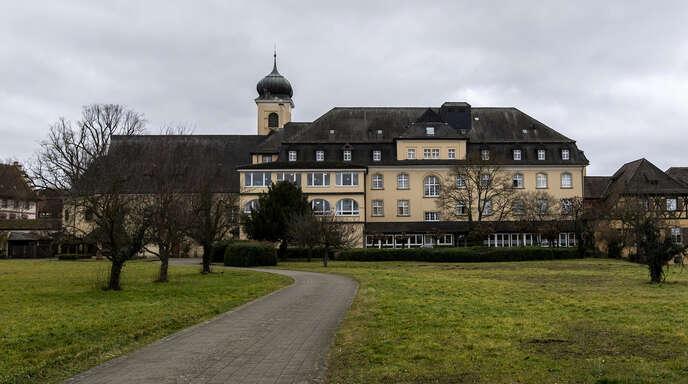 Das Malteserschloss in Heitersheim südlich von Freiburg steht zum Verkauf. Ein chinesischer Unternehmer wollte eine Privatschule daraus machen, doch in der Gemeinde bildete sich Widerstand dagegen.