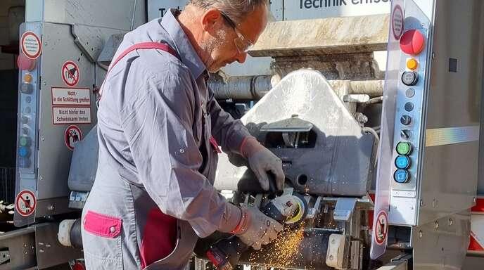 Das Entsorgungsunternehmen MERB sucht für seine Standorte in Achern und Bietigheim Mitarbeiter - unter anderem Kfz-Mechatroniker.