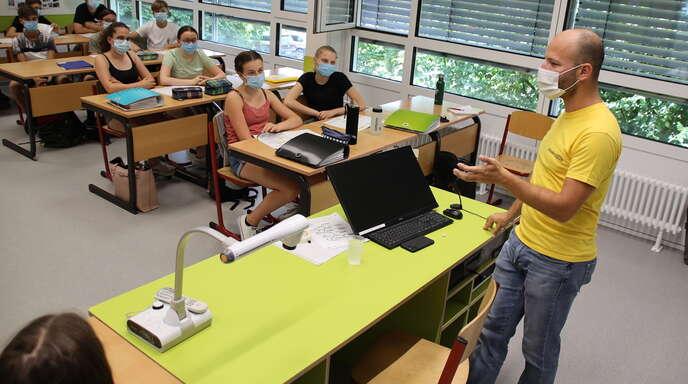 Powercloud-Infos aus erster Hand erhielten die Lenderschüler der Klasse 9a von dem Powercloud-Inhaber Marco Beicht, der 2003 am Lender-WG sein Abitur machte.