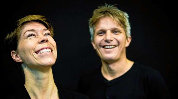 """Das """"TinyBallroomOrchestra"""" aus Freiburg mit Sängerin Birte Schöler und Gitarrist Ingmar Winkler kommt erneut nach Wolfach zum Verein Kultur im Schloss."""
