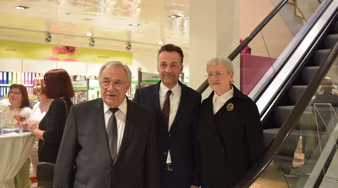 Im Jahr 2017 hat Kaufhaus Peters sein 50. Jähriges Jubiläum begangen. Im Bild Helga und Karl Peters sowie Sohn Bernd.