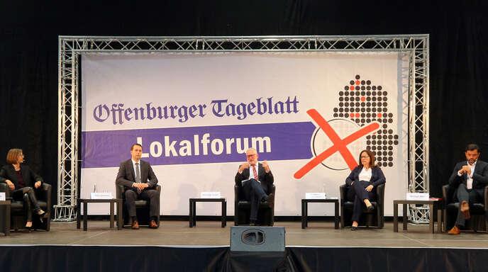 Beim Lokalforum (von links): Daniela Bühler, Marco Gutmann, Moderator Wolfgang Kollmer, Simone Lenenbach, Andreas Heck.