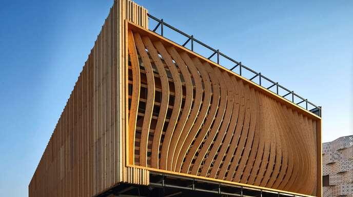 Die Bauweise des Baden-Württemberg Hauses auf dem Expogelände in Dubai ist den Holzhäusern aus dem Schwarzwald nachempfunden. Foto: Mladjan Sladakovic