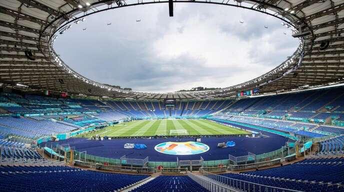 Im Olympiastadion von Rom eröffnen Italien und die Türkei die Fußball-EM. Foto: Matthias Balk/dpa
