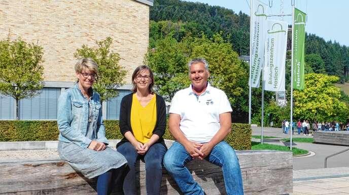 Haben sich für andere Stellen beworben: Die Konrektorinnen Katrin Knapp (links) und Silke Nitz sowie Rektor Christof Terglane.