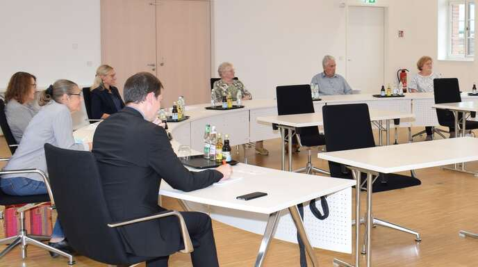 Erstes Treffen der Mitglieder des Arbeitskreises Senioren der Gemeinde Willstätt im Bürgersaal des Rathauses.