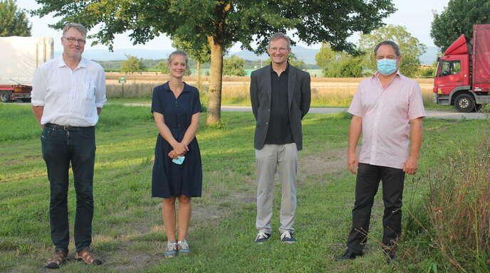 Bei der Kirchenversammlung (von links): Rainer Schnebel, Pfarrerin Anna Schimmel, Pfarrer Emmerich Sumser, Winfried Wendle.
