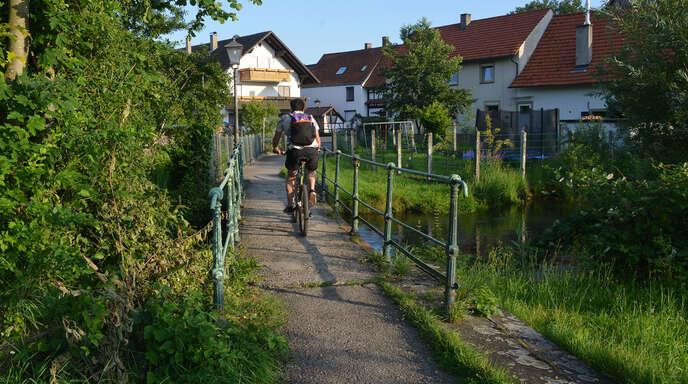 Völlig marode: die Brücke im Fischereck.