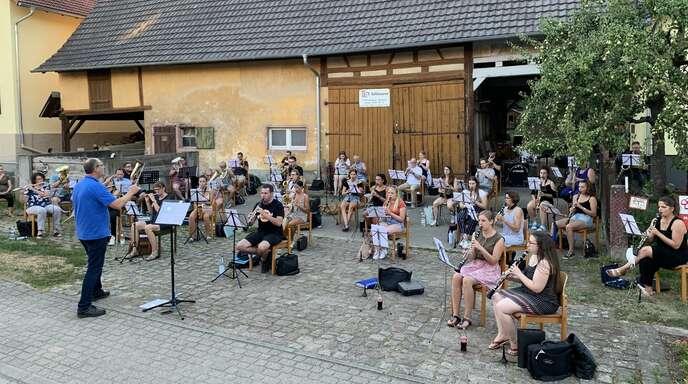 Frank Hertweck, der den Musikverein seit 2010 dirigierte, hört nun auf.