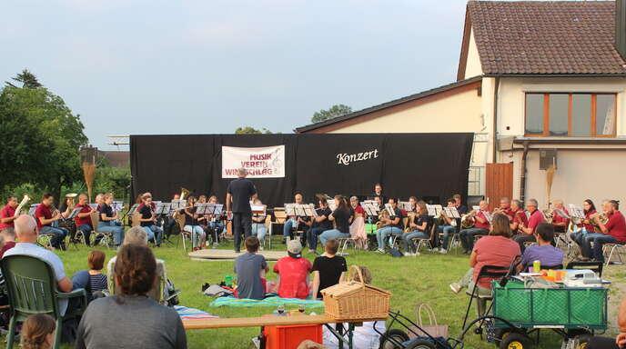 Musiker und Zuhörer konnten den lauen Sommerabend in Windschläg genießen.