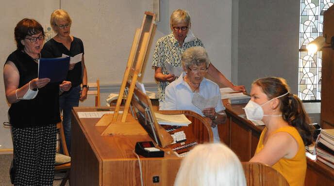 Der Kirchenchor St. Sixtus umrahmte am Sonntag den Festgottesdienst musikalisch.