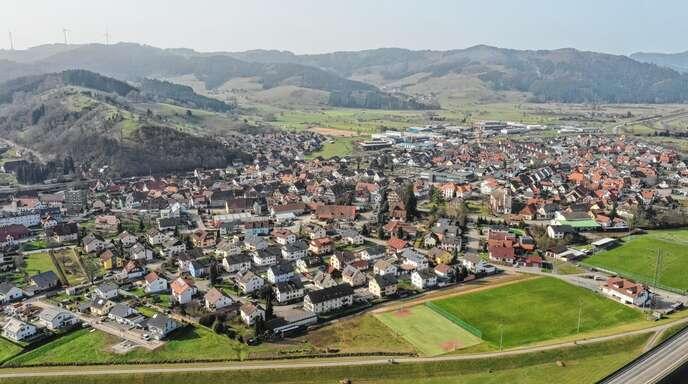 Wo und wie soll Gewerbeentwicklung in Steinach stattfinden? Um diese Frage beantworten zu können, soll nun erst einmal der Bedarf ortsansässiger Firmen abgefragt werden.