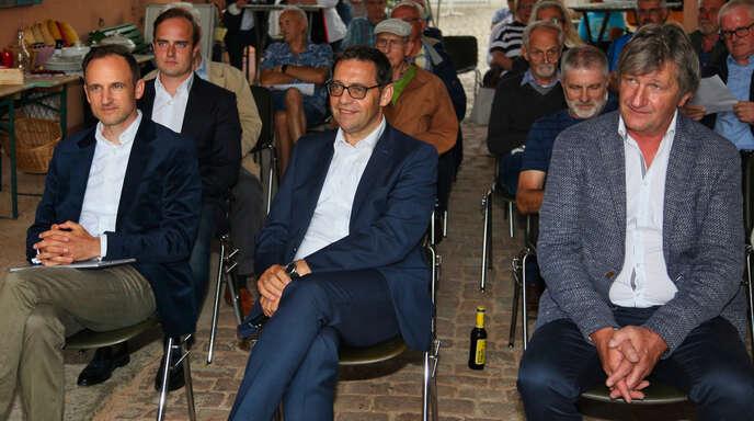 CDU-Bürgerdialog in den Illenau-Werkstätten, erste Reihe, von links: Dominik Fehringer, Klaus Muttach und Karl Früh; dahinter, ganz links: Julius Geier.