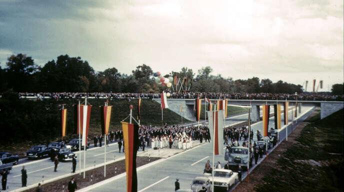 Von Baden in die weite Welt: Am 1. Oktober 1960 feierte Offenburg die Ankunft der Autobahn.
