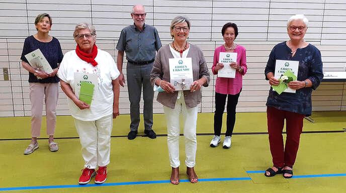 Die Geehrten (von links): Brigitte Fröhlich, Inge Braun, Vorsitzender Manfred Musger, Trudel Geiler, Gerda Boser, Heike Meyer. Es fehlen Veronika Hurst und Maria Heinze.
