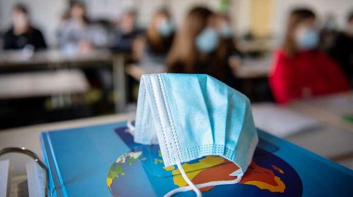 Coronabedingte Lernlücken sollen durch die Sommerschulen geschlossen werden. (Symbolfoto)