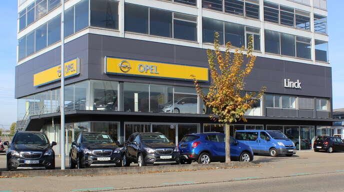 Ist von Weitem schon erkennbar: das markante Firmengebäude in der Freiburger Straße in Offenburg.