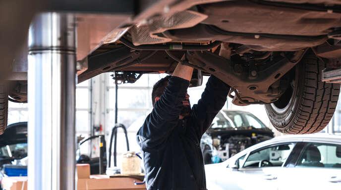 Alles aus einer Hand bei Unfällen: Der Kunde hat ausschließlich einen Ansprechpartner für den Abschleppdienst, die Abwicklung des Schadens, die Reparatur und die Koordination des Ersatzfahrzeugs.