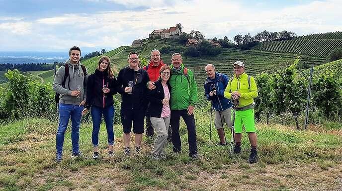 Weingenuss und Weinwissen mitten in den Reben. Die zweite Auflage der Durbacher Weinwanderung zeigte sich erneut als Erfolg. Zehn Weine von fünf Weinbaubetrieben gab es inklusive einem Vesperpaket zu verkosten.