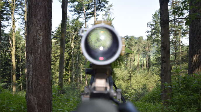 Ein Blick durch das Zielfernrohr eines G22. Mit dieser Waffe arbeiten Scharfschützen mit einer Treffgenauigkeit auf bis zu 1000 Meter.