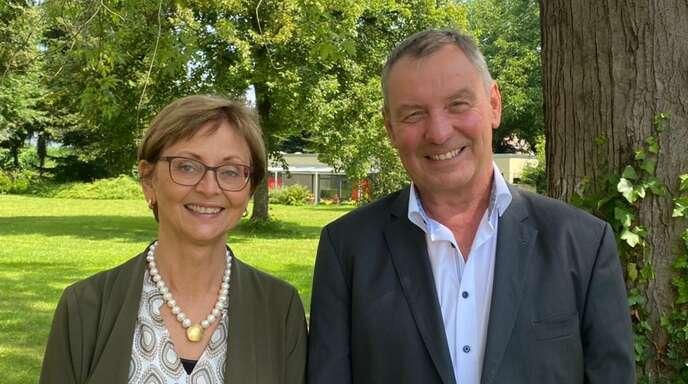 Schulleiter Thomas Rahner verabschiedete Susanne Kames-Hübsch in den Ruhestand.