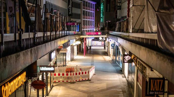 Ein als absolut verstandener Gesundheitsschutz ruhe auf drei Säulen: eine hypergenaue Diagnostik, eine gigantische Organisation und – wie hier im April die menschenleere Stuttgarter Innenstadt nach Verhängung einer Ausgangssperre – Eingriffe in die Grundrechte.