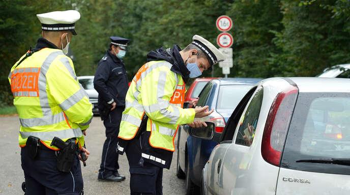 Wie schon im September 2020 beim zweiten Sicherheitstag des Polizeipräsidiums Offenburg (Das Bild zeigt Kontrollen an der L98), finden auch dieses Jahr bei der Veranstaltung Großkontrollen in der Ortenau statt.