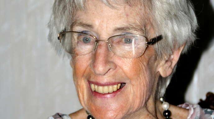 Hanneloren Michels feiert ihren 90. Geburtstag.