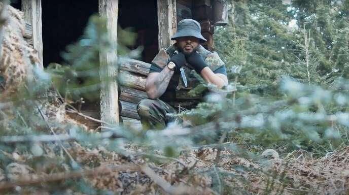 """Lardjah Naba studiert Mediengestaltung und Produktion an der Hochschule Offenburg. Sein Studienarbeits-Projekt """"Schwarzwald-Rambo"""" hat er auf Youtube hochgeladen."""
