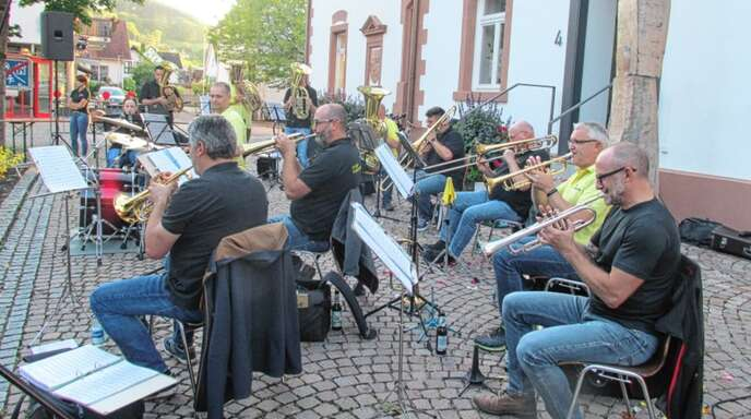 """Beim dritten Dämmerschoppen in Steinach spielten die """"Egerländer − Im Ernst wir Moschen weiter""""."""