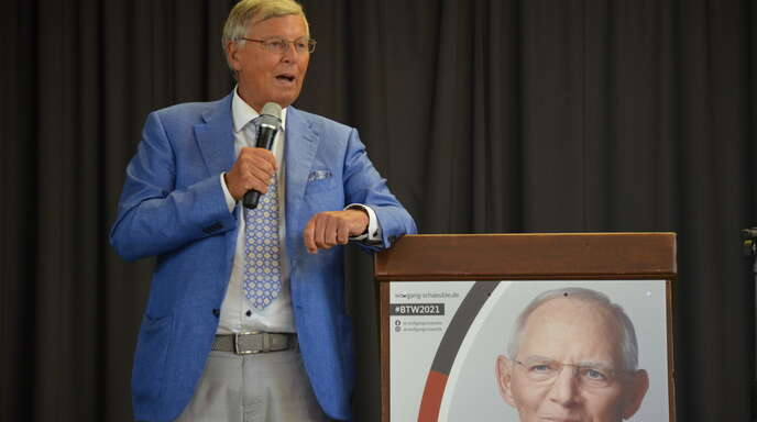 Wolfgang Bosbach war nach Legelshurst gekommen, um deutlich zu machen, warum es besser wäre, der CDU und ihrem hiesigen Direktkandidaten Wolfgang Schäuble am 26. September das Vertrauen zu schenken.