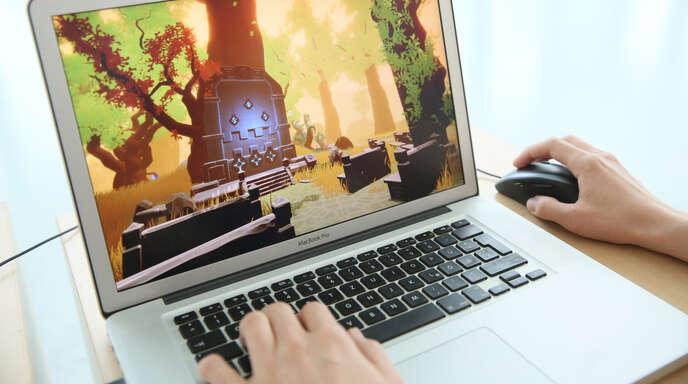 Computer-Anwendungen (hier ein Spiel) fressen immer mehr Ressourcen, wer Glasfaser hat, ist gut versorgt. Foto: Ulrich Marx