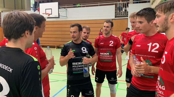 Manuel Rudolphi (Nummer 9) und seine Teamkollegen überzeugten beim eigenen Turnier.