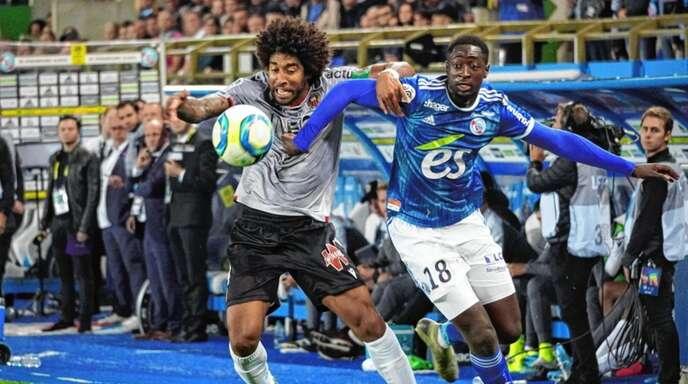Ibrahima Sissoko (rechts) fällt verletzungsbedingt aus.