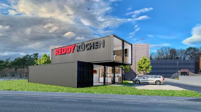 Die Überseecontainer des REDDY Cube ziehen am Check-In-Kreisel am Acherner Stadteingang die Blicke auf sich.
