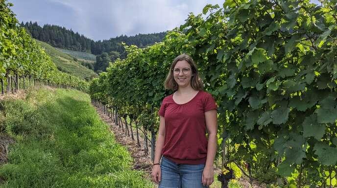 """Die ehemalige Oberkircher Weinprinzession Dorothée Vollmer stellt für die Oberkircher Winzer eG die Rebsorte Solaris in der Serie """"Wein-Blicke"""" vor."""