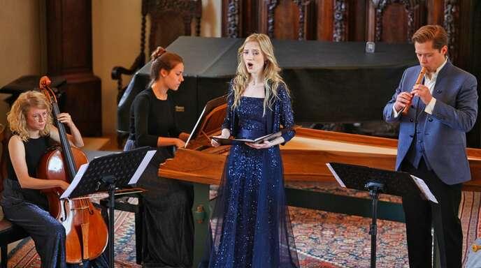 Sibylla Elsing (Mitte) glänzte mit ihrer herrlichen Sopranstimme.