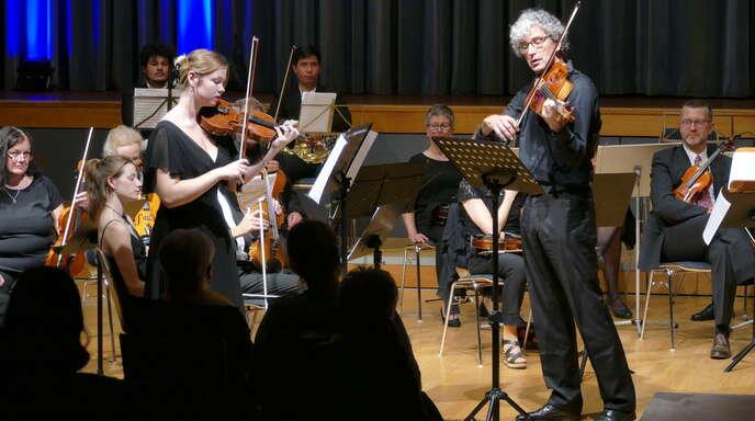 Brillierten als Solisten: Violinistin Lea Balzar und Bratscher Markus Oertel.