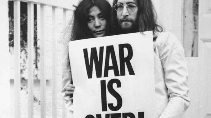 John Lennon und Yoko Ono 1969 in London.