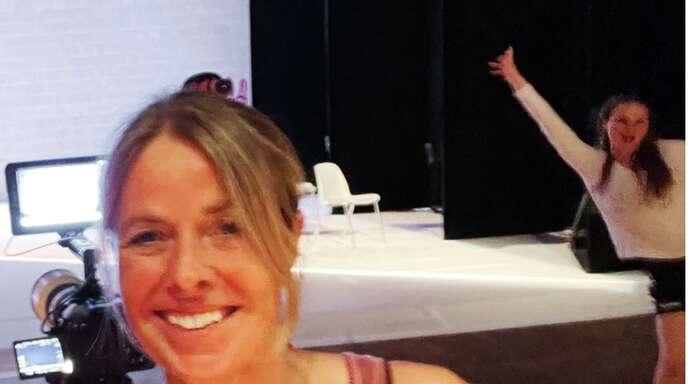 """Die Stuttgarter Choreografin Katja Erdmann-Rajski probt für ihre neue Body-Opera """"Via Traviata"""" im Treffpunkt Rotebühlplatz."""
