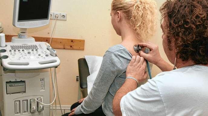 In der Notfallsprechstunde im ehemaligen Oberkircher Krankenhaus können sich die Patienten abends, an Feiertagen und Wochenenden behandeln lassen.