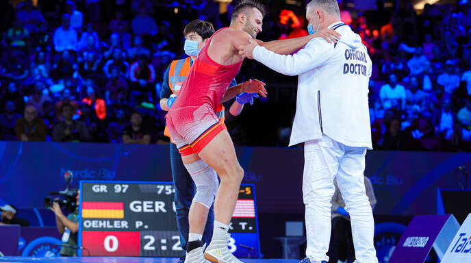Der Mühlenbacher Peter Öhler musste in Oslo im Kampf um WM-Bronze aufgeben. Spätere Diagnose: Wadenbeinbruch!
