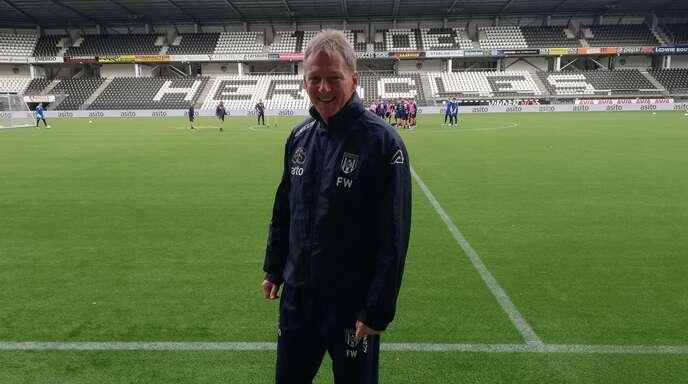 Gibt seine Interviews auf Niederländisch: Almelos deutscher Trainer Frank Wormuth.