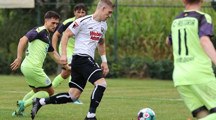Auf Keven Feger (r.) und den SV Linx kommt in Freiberg viel Defensivarbeit zu.