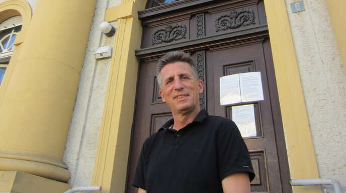 Blick ins Kehler Amtsgericht, Hinter den Kulissen: Direktor Nicolas Gethmann vor dem Amtsgericht.